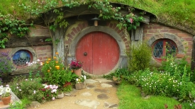 NEW ZEALAND: Hobbiton house on the set of the movie. Perfect size for us two midgets.