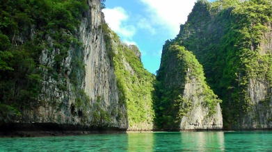 THAILAND: Turquoise waters on the way to Maya Beach. The Beach beach!