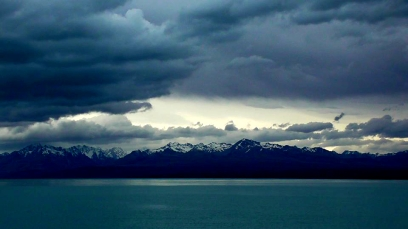 NEW ZEALAND: No idea where this was, but it looked dramatic, so we stopped off for a quick snap!