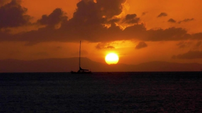 AUSTRALIA: Floating along the Whitsunday Islands in a catamaran at sunset. Pretty chill.